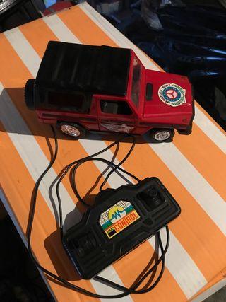 Jeep Mercedes Benz teledirigido con cable 80'