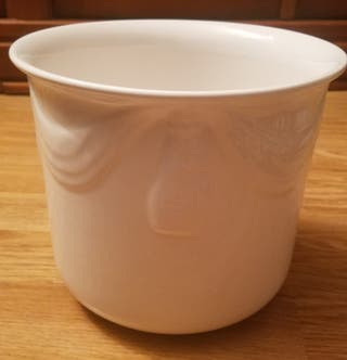 macetero blanco de ceramica vintage