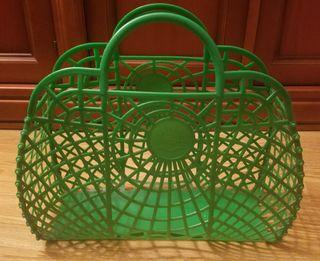 cesta de plastico vintage