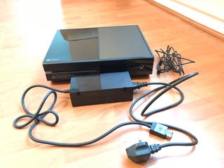 Xbox One 500gb + Controller + Games
