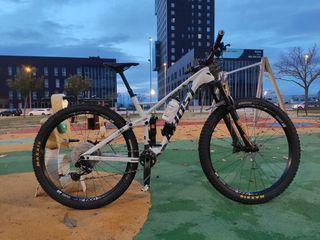 "Bici Ghost SL AMR 6.9 LC 29"" talla M"