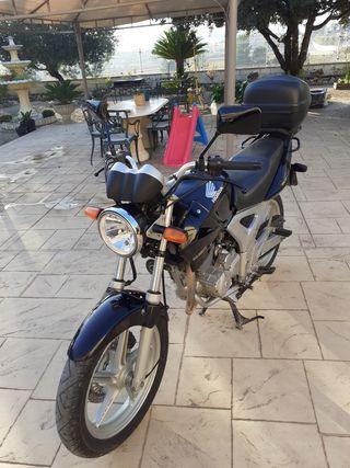 Moto Honda CBF 250