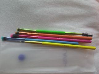 Pinceles Neon Colors de Lavish