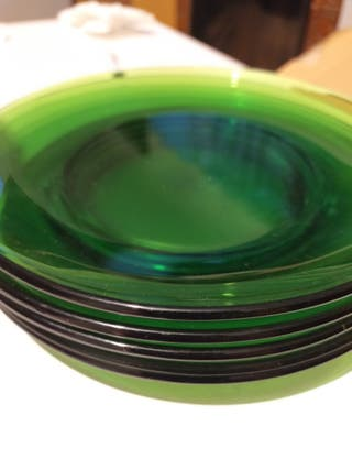 Platos cristal verde