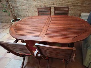 Mesa madera jardín y cuatro sillas