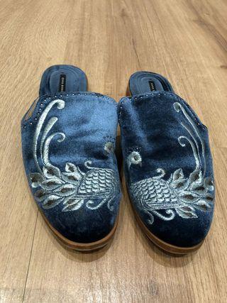 Zapatillas / Slippers azules Zara de mujerTalla 36