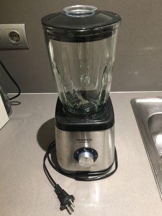 Batidora Taurus con vaso de cristal
