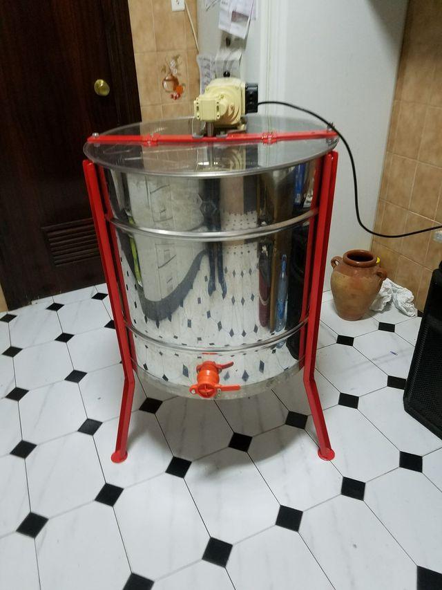 Extractor de miel electrico