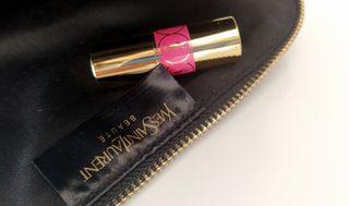 Neceser Yves Saint Laurent + lápiz de labios