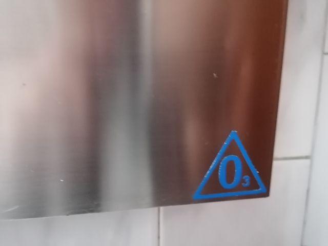 Se vende esterilizador de cuchillos por ozono