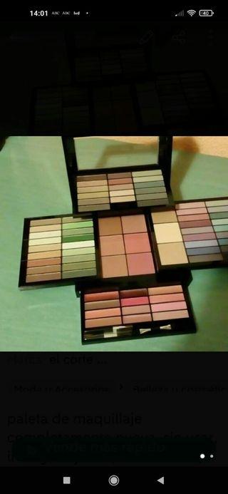 paleta de maquillaje sin usar