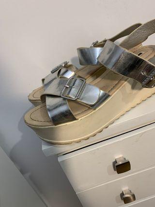 sandalias mustang plateadas