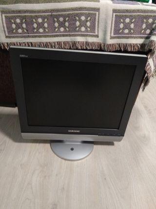 Pantalla ordenador y tv
