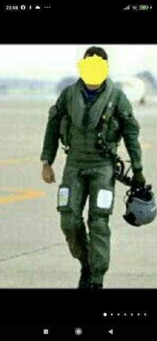 traje completo de piloto Eurofighter