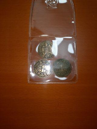tres monedas 1944
