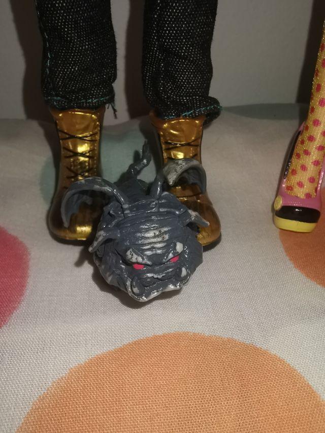Monster High Draculaura y Clawd Wolf.