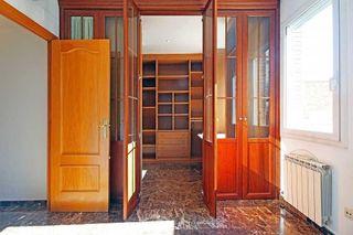 Casa adosada en venta en El Camp de l'Arpa del Clot en Barcelona