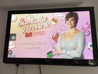 """TV 42 pulgadas con su base """"pie"""""""