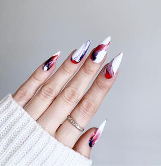Press On Nails Medium Stiletto Efecto Mármol Rojo