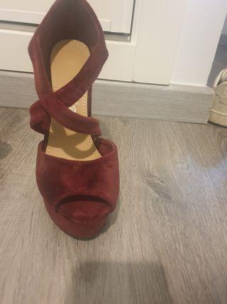 zapatos sandalias tacon granates