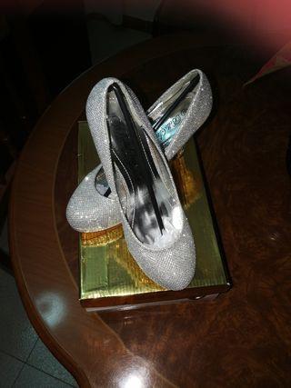 Zapatos de fiesta plateados num 37