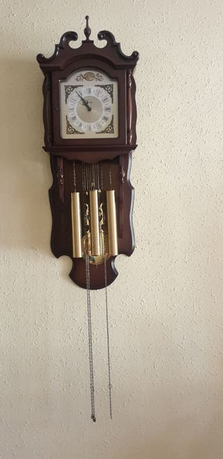 Reloj de pared antiguo cucu