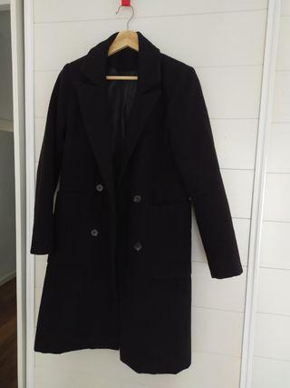 Abrigo largo negro de paño