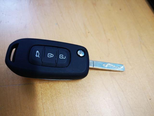 llave renault 3 botones nueva a estrenar original