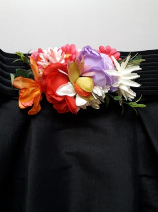 Falda negra ceremonia y cinturon flores
