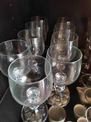 9 copas de vino de cristal
