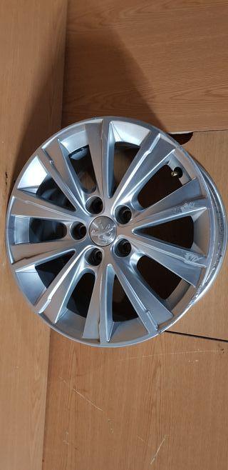 Llanta Peugeot 308 de 16 pulgadas