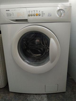 Lavadora Zanussi electrónica