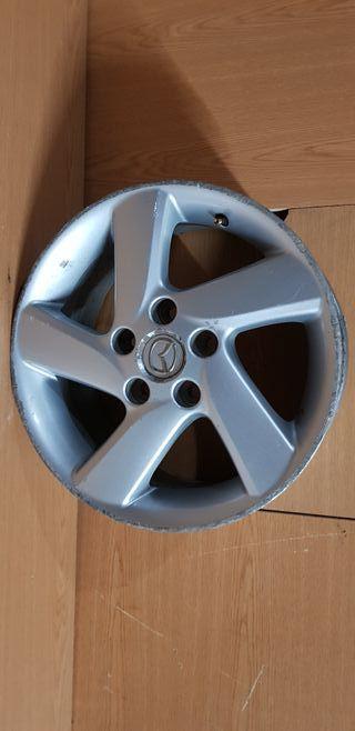 Llanta Mazda 6 de 16 pulgadas