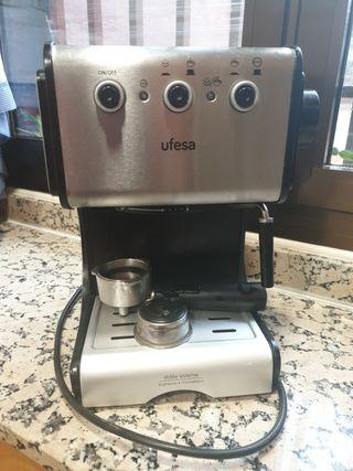 cafetera ,monodosis y expres marca Ufesa
