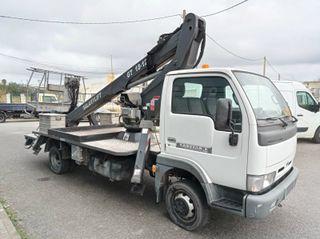 Camión cesta Nissan Cabstar grúa Manotti galaxy18m