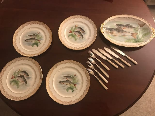 Cubiertos antiguos para el pescado baño de plata