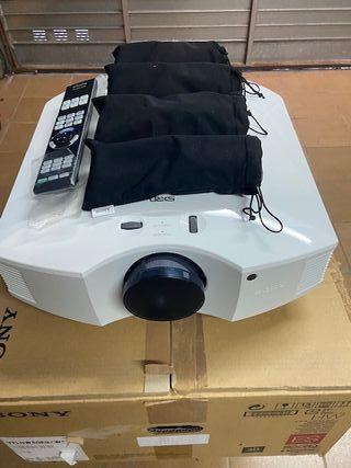 PROYECTOR SONY VPL HW-50W+4 GAFAS 3D+EMISOR 3D