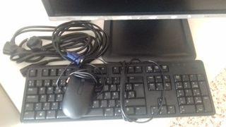 Monitor, teclado, y ratón