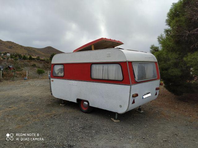 Caravana Autónoma con techo elevable