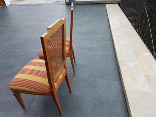 2 sillas madera tapizadas