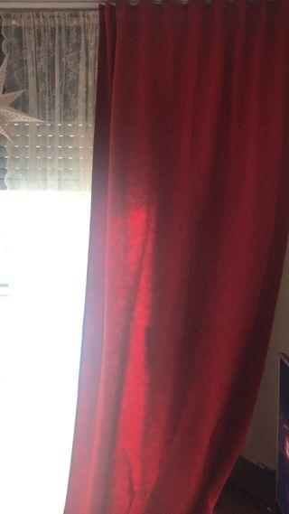 Cortina roja ikea