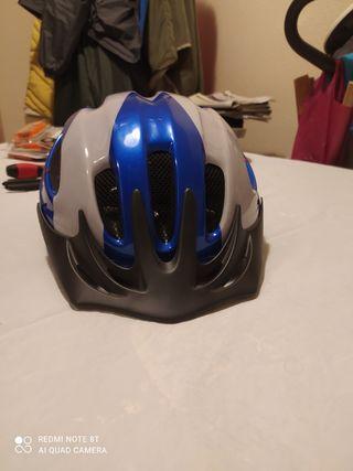 Casco de bici montaña o carretera
