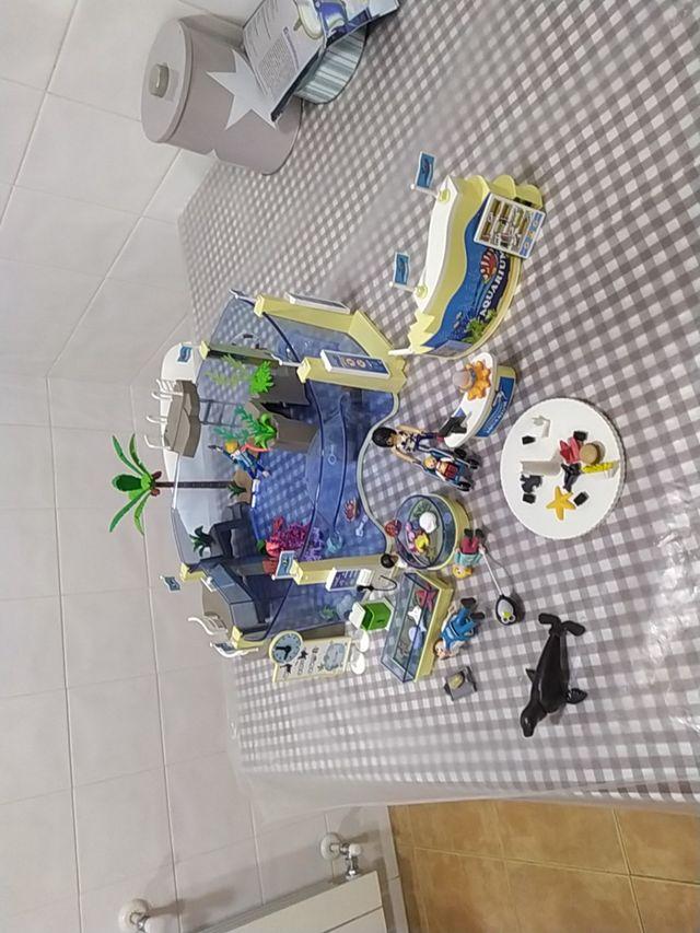 acuario y tienda de playmobil.