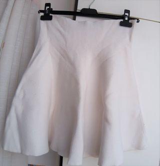 Falda de Zara en color blanco