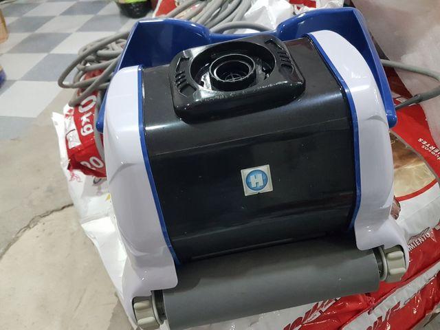 robot limpiafondos para piscinas tiger shark