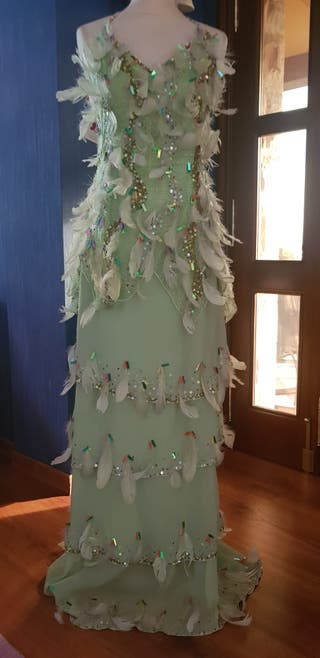 Vestido de plumas verde