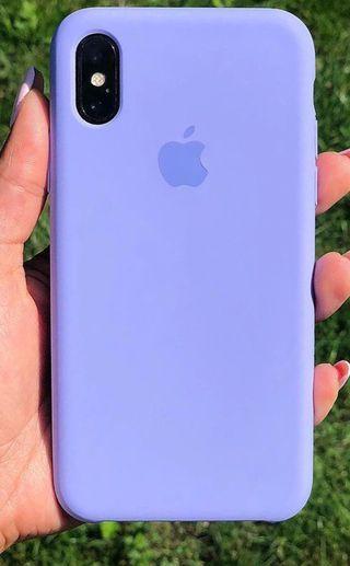 iPhone X funda lila logo