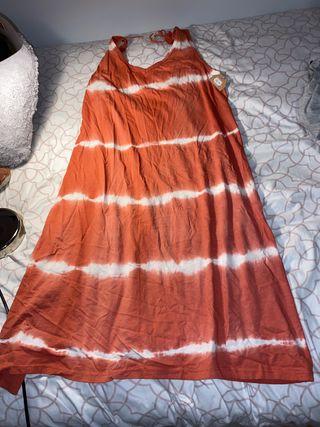 Vestido veraniego con faldón ancho