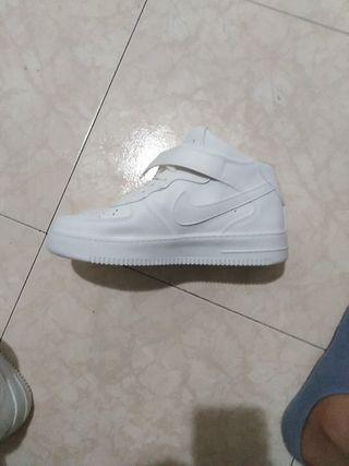 Nike air force de bota blancas