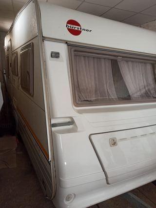 Caravana Burstner 390 menor 750Kg